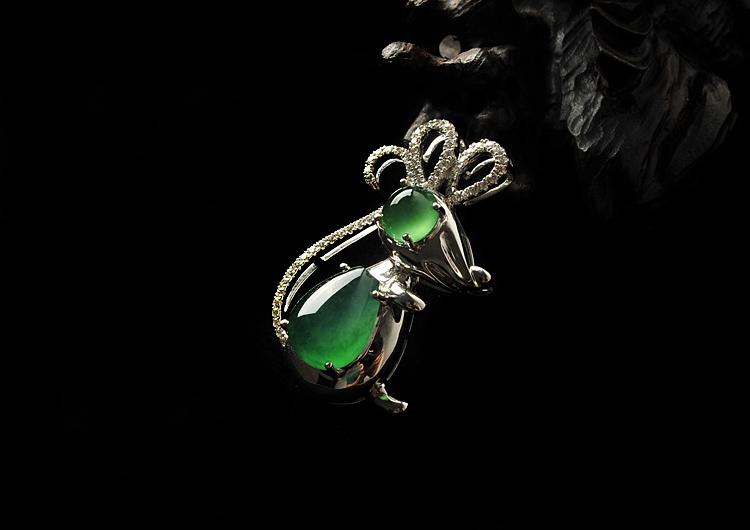 漫谈翡翠老鼠适合佩戴的人群_珠宝知识_意绵绵珠宝